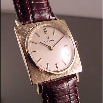 Omega 14k Solid Gold Gentleman&#039;s Wristwatch c.1965