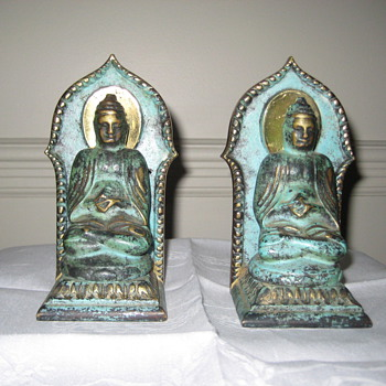 Buddha Book ends. I really love these. Can you tell me more about them. - Books