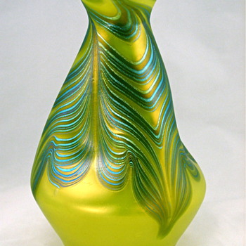 Loetz Phen Genre 829 - Art Glass