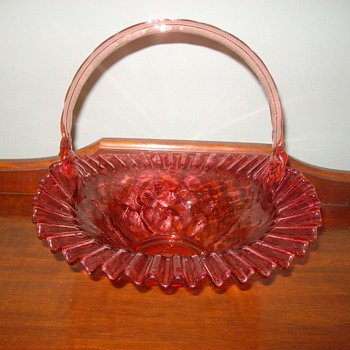 """Fenton""Glass Basket Bowl with ""Bamboo Style handle"""