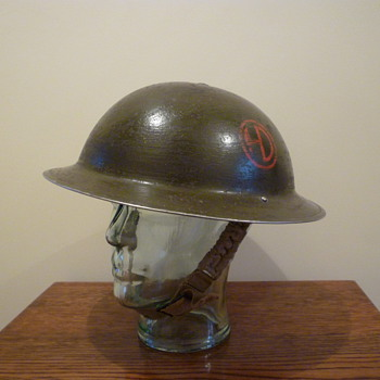 Scottish 51st Highland Division WWII Officers helmet. - Military and Wartime