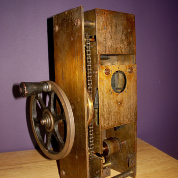 Camera-projector mechanism 1897 - Cameras