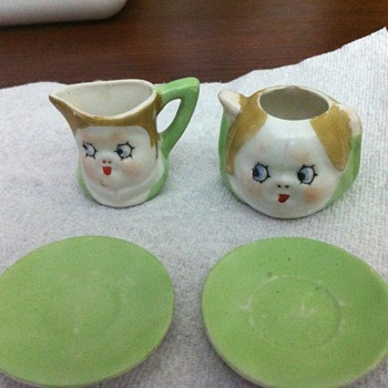 Tiny Tea Set ?????