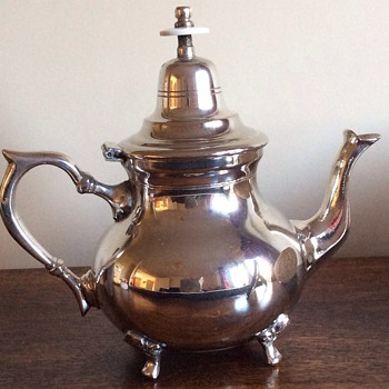 Silver tea pot - Sterling Silver