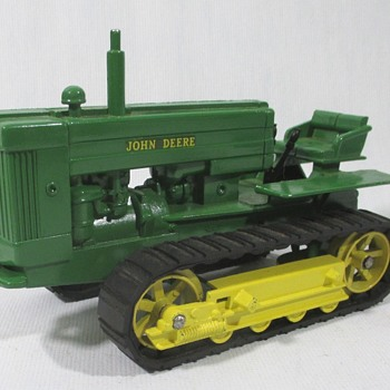 John Deere Model 40 Crawler - Model Cars