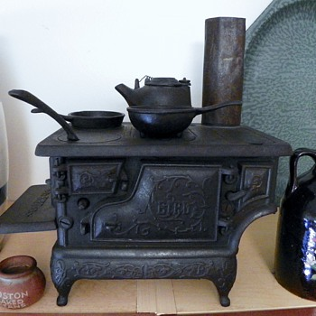 "Antique childs cast iron stove ""Bird"""