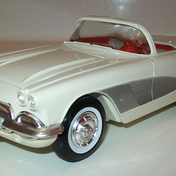 1961 Chevrolet Corvette promo - Classic Cars