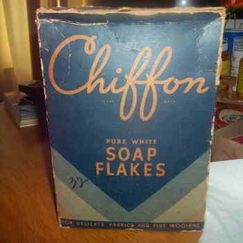 1947 BOX LAUNDRY SOAP - Advertising