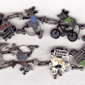 early disney charm bracelet: minnie, mickey, goofy/clarabell(?) - Costume Jewelry