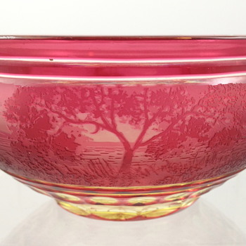 Loetz Uranglas Cameo Bowl, ca. 1923 - Art Glass