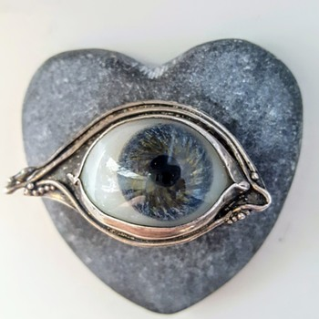 Antique prosthetic glass eye silver brooch, Arts and Crafts Era? - Fine Jewelry
