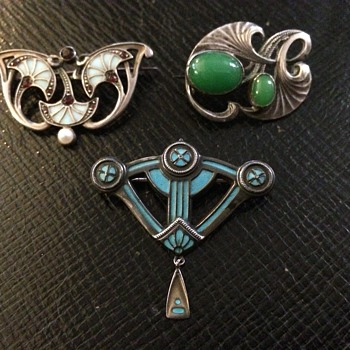Jugenstil Brooches - Levinger & Bissinger - Arts and Crafts