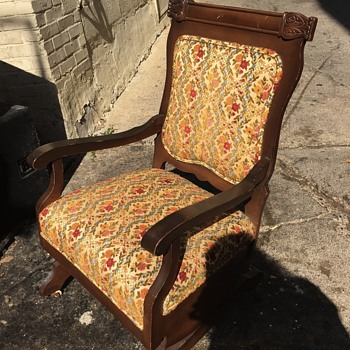 Rescued from trash dumpster - Furniture
