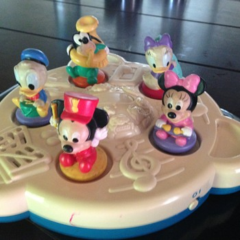 Disney mickey mouse and friends musical