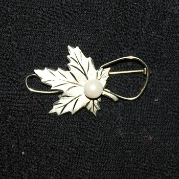 Gold-Washed Sterling Pin with Genuine  Pearl