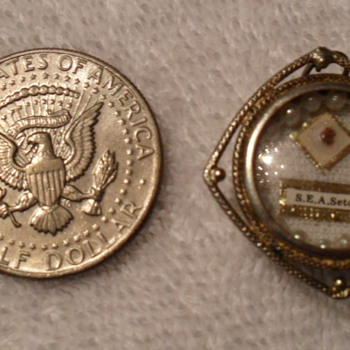 19thC. Vermeil S.E.A. Seton Reliquary Pendant. Wax Seal 