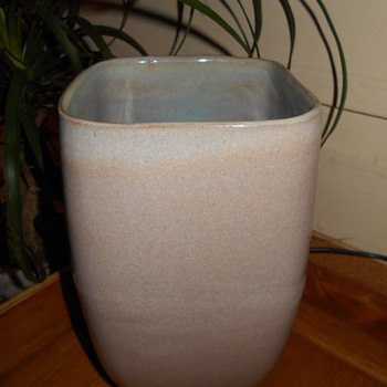 Glidden Art Pottery Vase Artist Signed Help with Artist???
