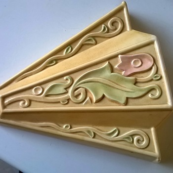 Art Deco Gothic WADE Heath England Wall Pocket Thrift Shop Find 1 Buck - Art Pottery