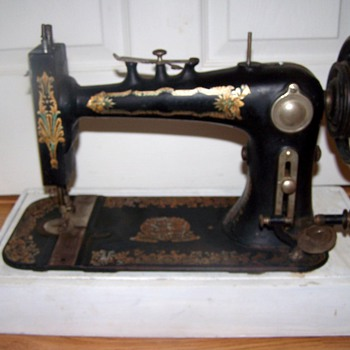 Faultless Sewing Machine - Sewing