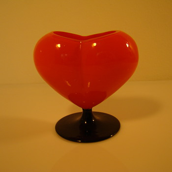 Red tango glass heart vase - Art Glass