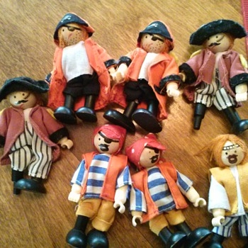 Toy Pirate Figures  - Dolls