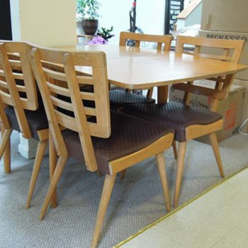 Unknown Dining Room Table and Chairs - Furniture