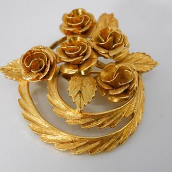 "Vintage ""Coro"" Brooch, 20 century - Costume Jewelry"