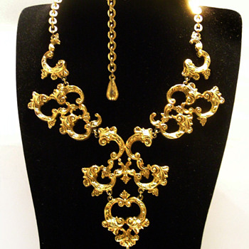 Vintage Florenza Renaissance Scroll Work Necklace - Costume Jewelry