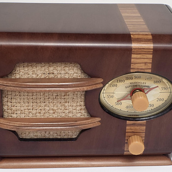 "1938 Automatic ""Tom Thumb"" - Radios"