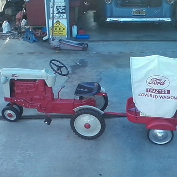 ford 900 pedal tractor and trailer
