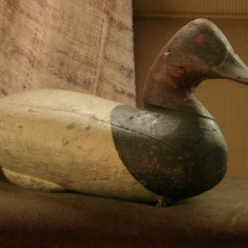 another duck decoy.....this one looks much older to me.......but I'm not sure! - Folk Art