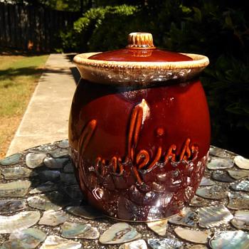 Hull Cookie Jar