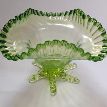 Victorian uranium glass bowl with applied feet - Art Glass