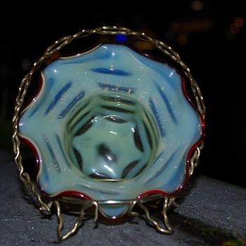 THOMAS WEBB OPALESCENT SWEETMEAT BOWL URANIUM GLASS - Art Glass