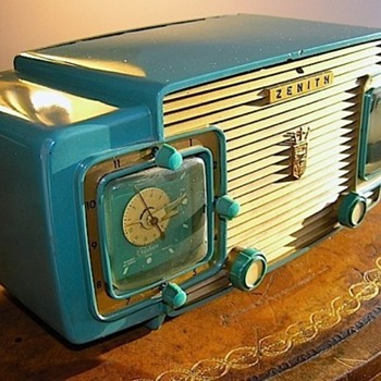 Blue Green Zenith Clock Radio
