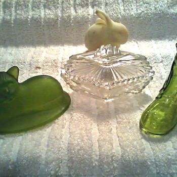 Tchotchke Heaven !! / Fenton and Westmoreland Glass / Unknown Age