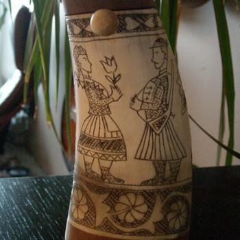 Scrimshaw Horn Shaker - Folk Art
