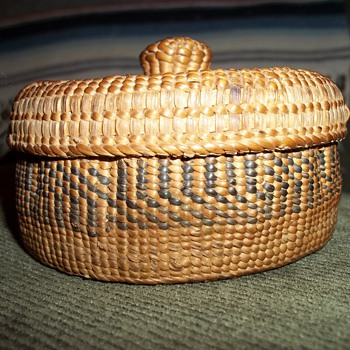 Alaskan Haida Knob Top Basket
