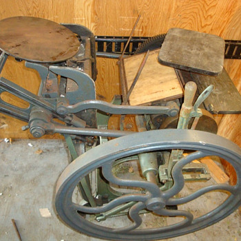 1860's Cleveland Gordon Printing Press, Desk, Accessories - Office