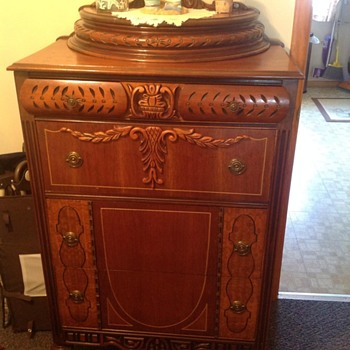 Vintage dresser - Furniture