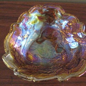 Grandma's candy dish - Glassware