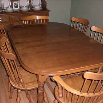 Ethan Allen Dining Set - Furniture