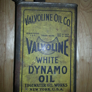 Valvoline White Dynamo oil can - Petroliana
