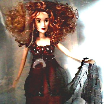 """Titanic"" Motion Picture Collector Doll by Galoob / Rose DeWitt Bukater / Circa 1998 - Dolls"