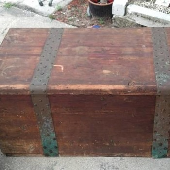 acme trunk cedar chest