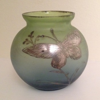 Goldberg? Bowl with butterfly
