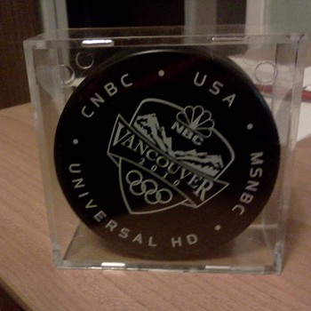 Vancouver 2101 official IIHF Puck - Hockey