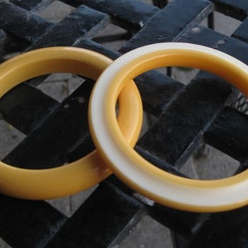Butter color carved celluloid bangle with bakelite bangle - Costume Jewelry