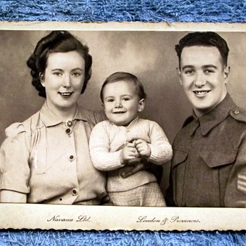 1942-navana studios-london-parents/brother. - Military and Wartime