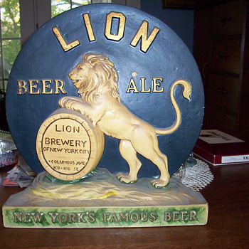 I think ceramic beer advertisment - Breweriana